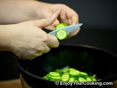 Lettuce, Tomato and Cucumber Salad Recipe: Step 3