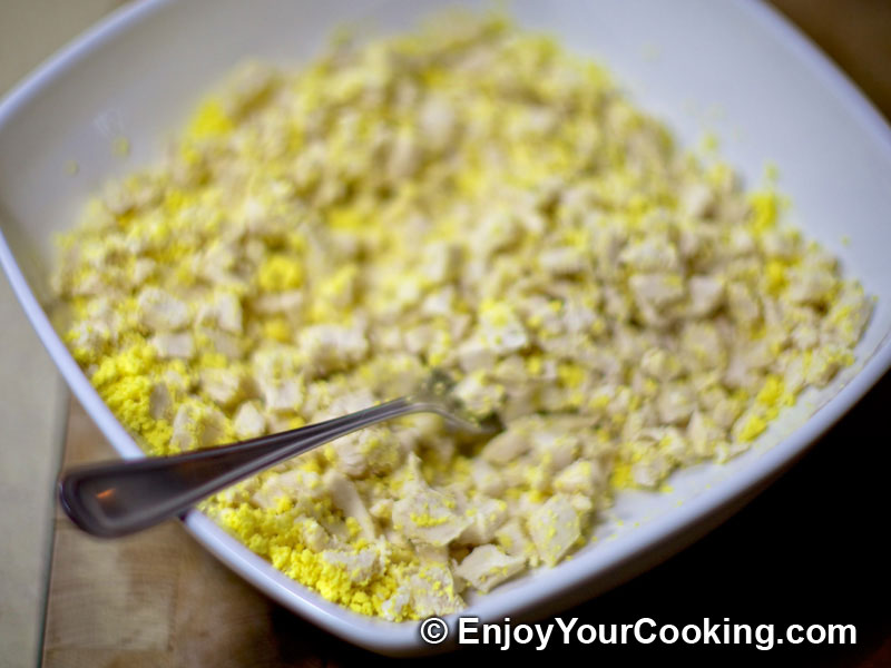 egg yolks to chicken chicken and mushroom salad recipe step 11 and mix