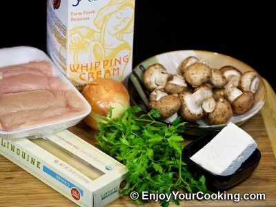 Pasta with Chicken and Mushroom Sauce Recipe: Step 1