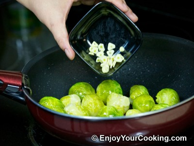 Brussels Sprouts in Tomato and Soy Sauce Recipe: Step 7