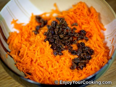 Carrots, Raisins and Ginger Salad Recipe: Step 5