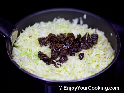 Cabbage with Prunes: Step 8