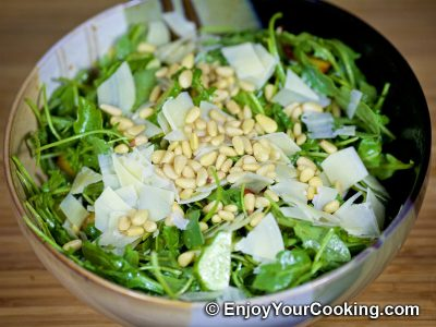 Arugula and Peach Salad: Step 5